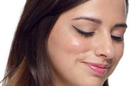 How to Master Winged Eyeliner